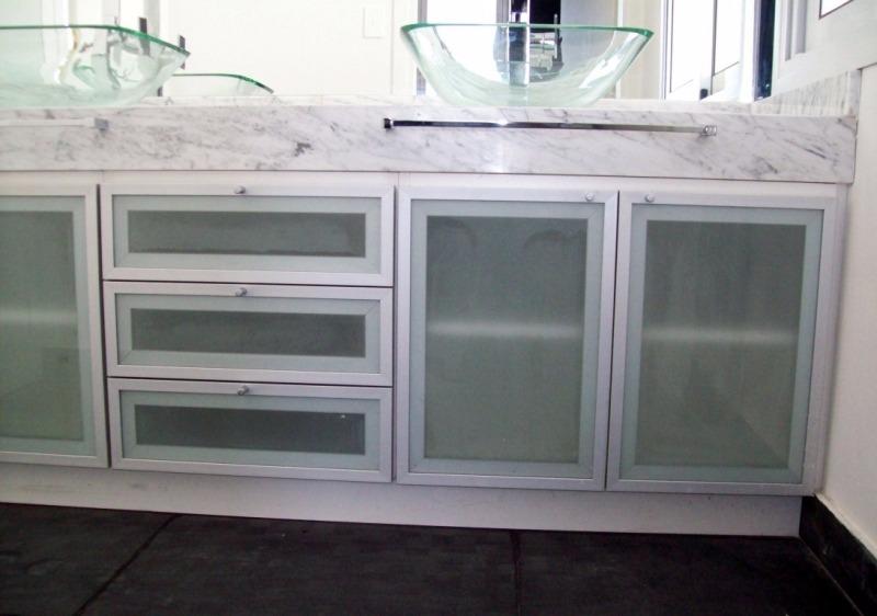 Puertas de cocina en perfil de aluminio bs en for Perfiles aluminio para muebles