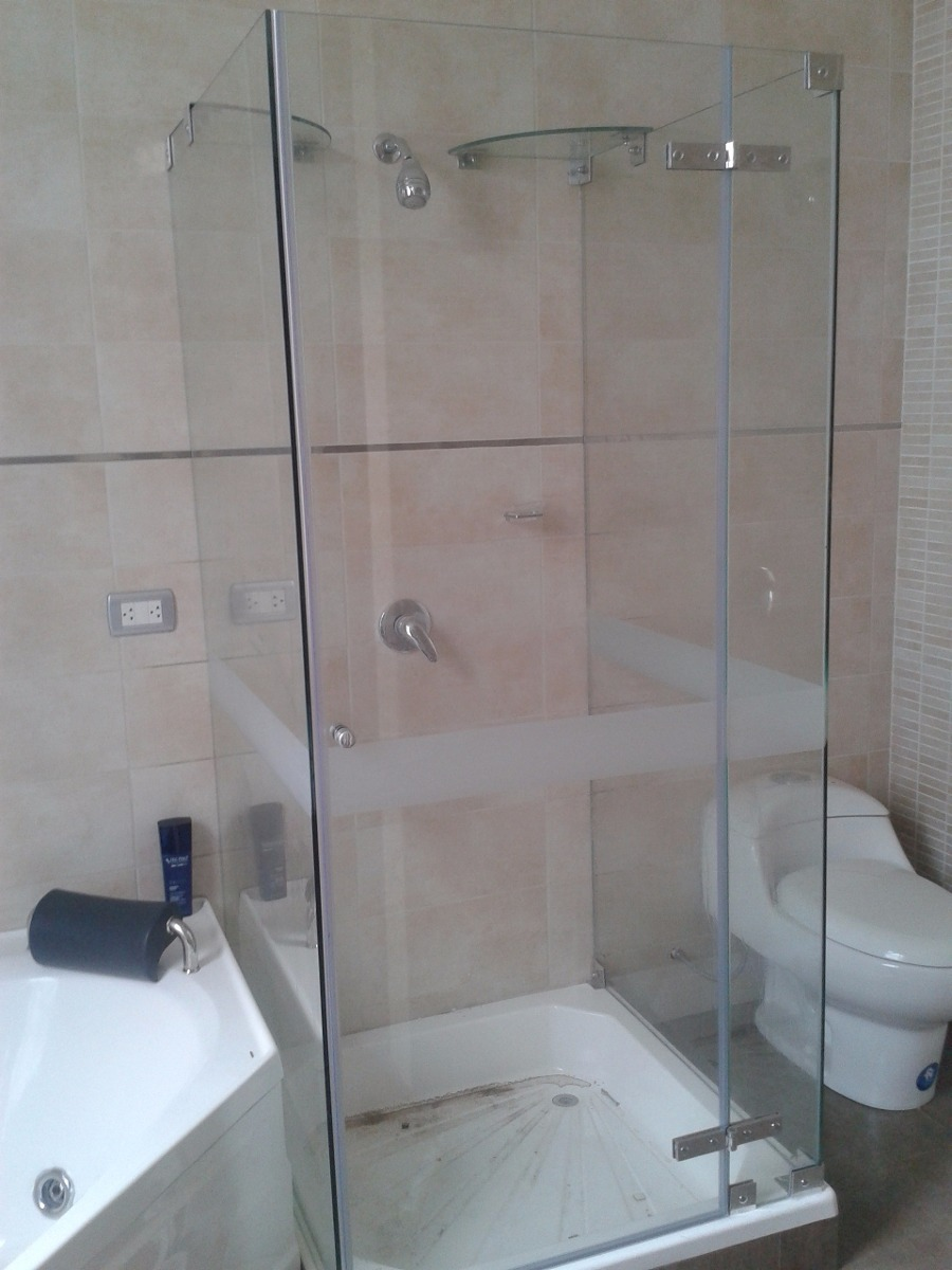 Puertas de ducha puerta para ba o mamparas de ba o for Mamparas de vidrio templado para banos