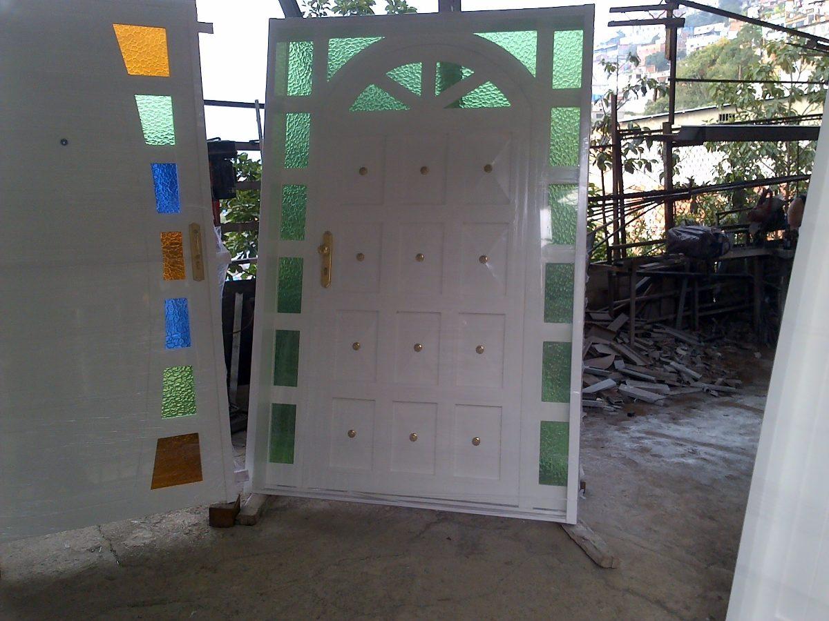 Puertas de hierro y de lujo bs 400 00 en mercado libre for Modelos de puertas de hierro con vidrio