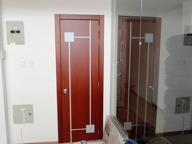 Puertas de madera modernas 2 en mercado libre for Modelos de puertas para dormitorios