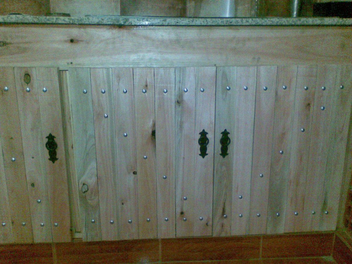 Hacer una puerta de madera excellent premarcos de madera for Como hacer una cocina de madera