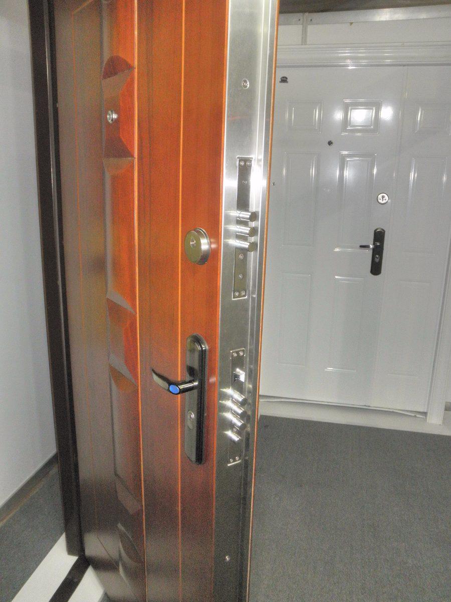 Puertas de seguridad megalock doble cerradura 13 barras for Puertas seguridad