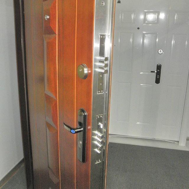 Puertas de seguridad megalock doble cerradura 13 barras - Cerraduras de seguridad ...