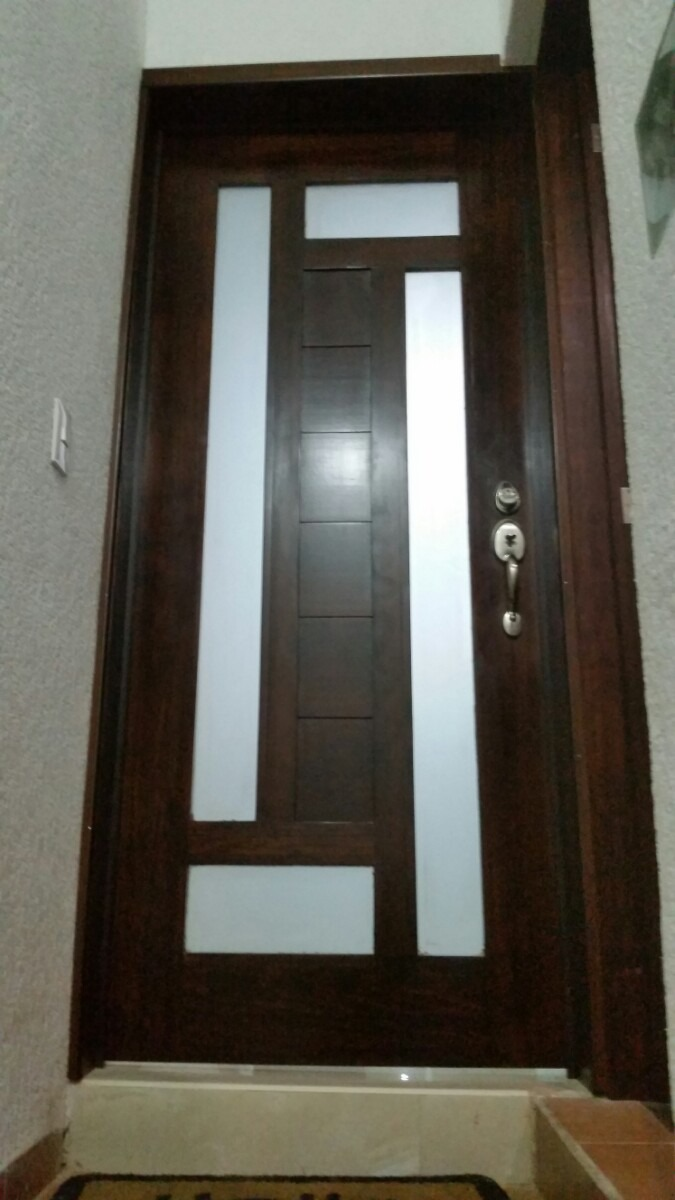 Puertas en madera 3 en mercado libre for Remate de puertas de madera