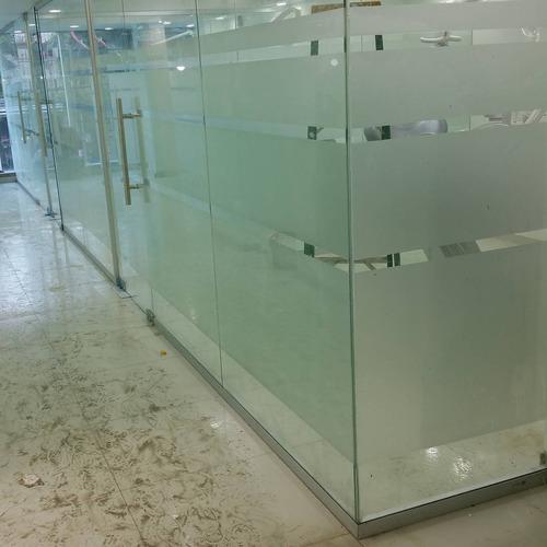 puertas flotantes, puertas comerciales. tel. 849-859-5998
