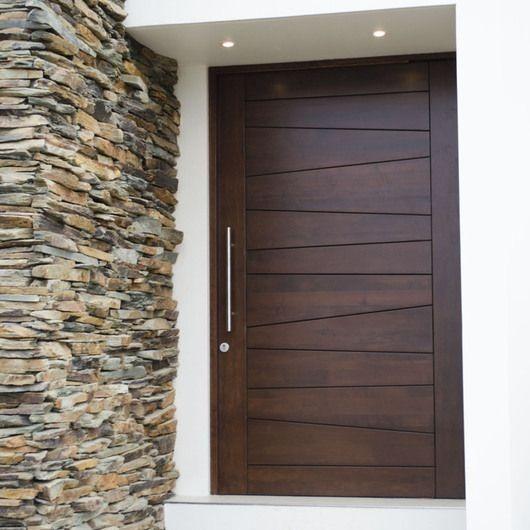 Puertas modernas para exteriores e interiores s for Modelos de puerta de madera para casa