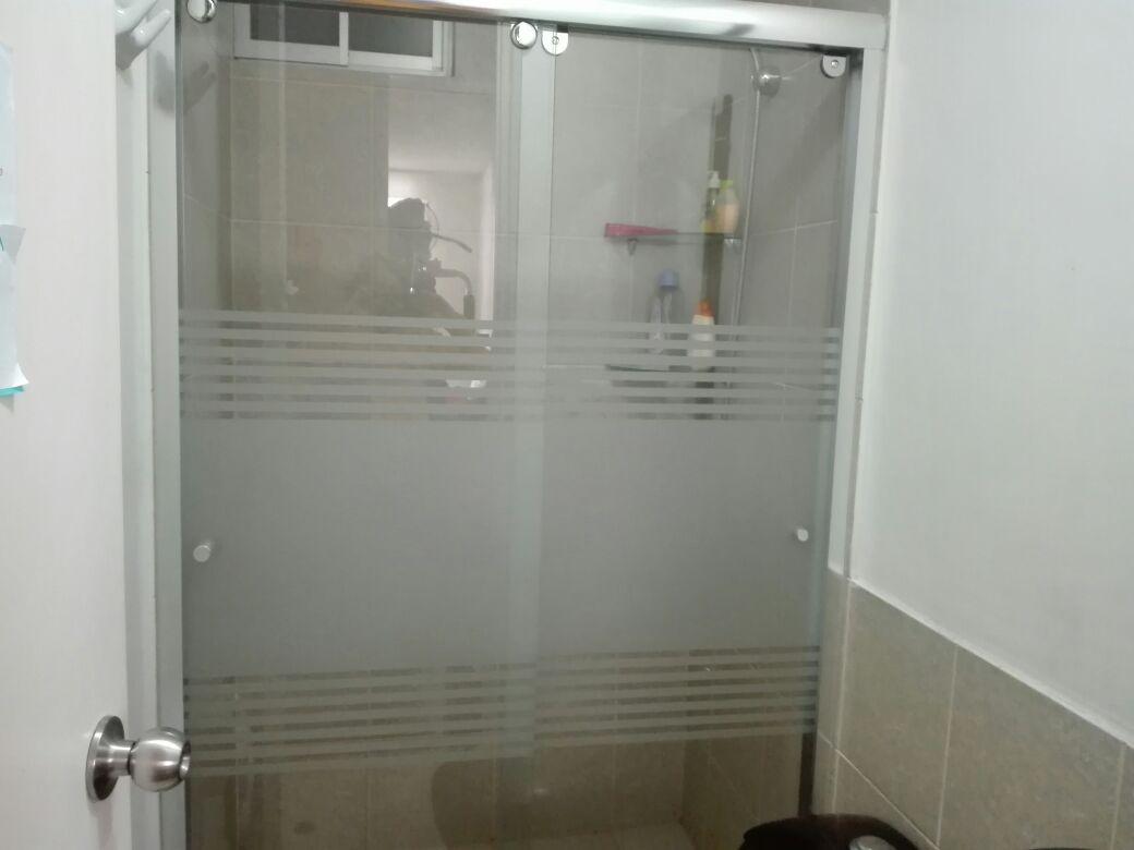 Puertas para ba o vidrio templado presupuesto sin for Presupuesto bano nuevo