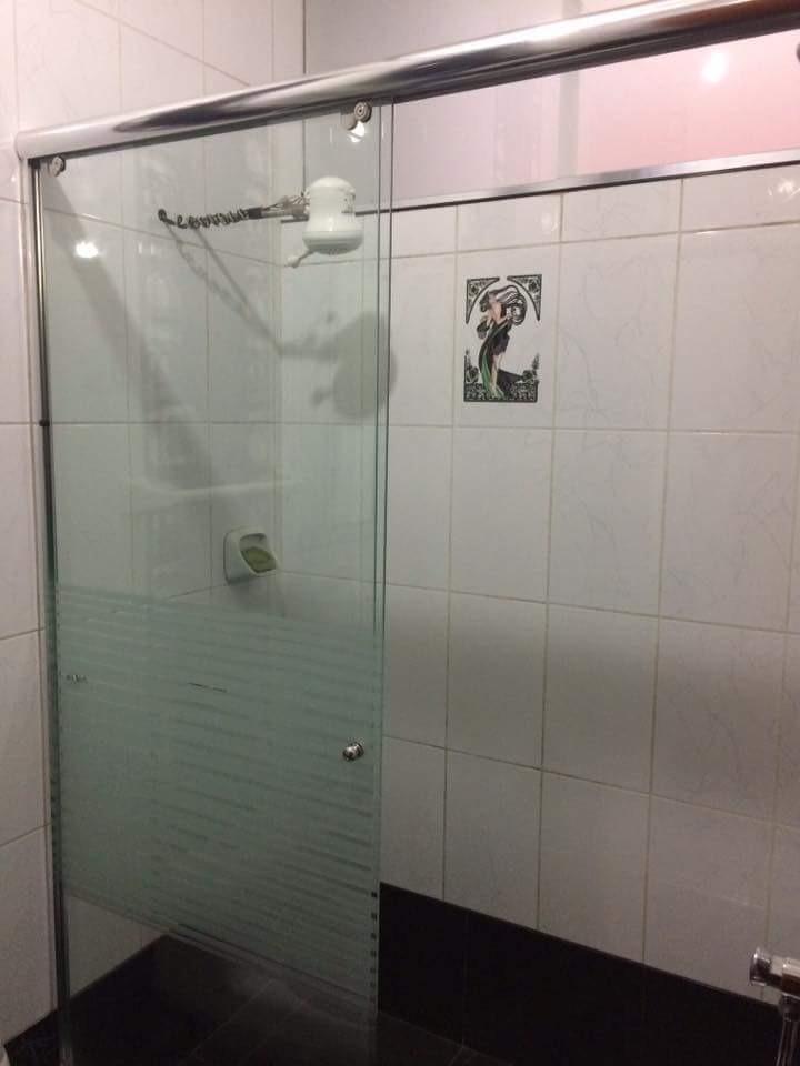 Puertas para duchas en vidrio templado s 15 00 en for Puertas de cristal para duchas