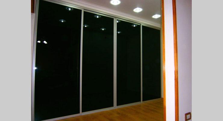 Puertas placard y marco vidrio negro y aluminio nuevo for Puerta corrediza aluminio