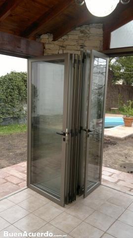 puertas plegables de aluminio y vidrio