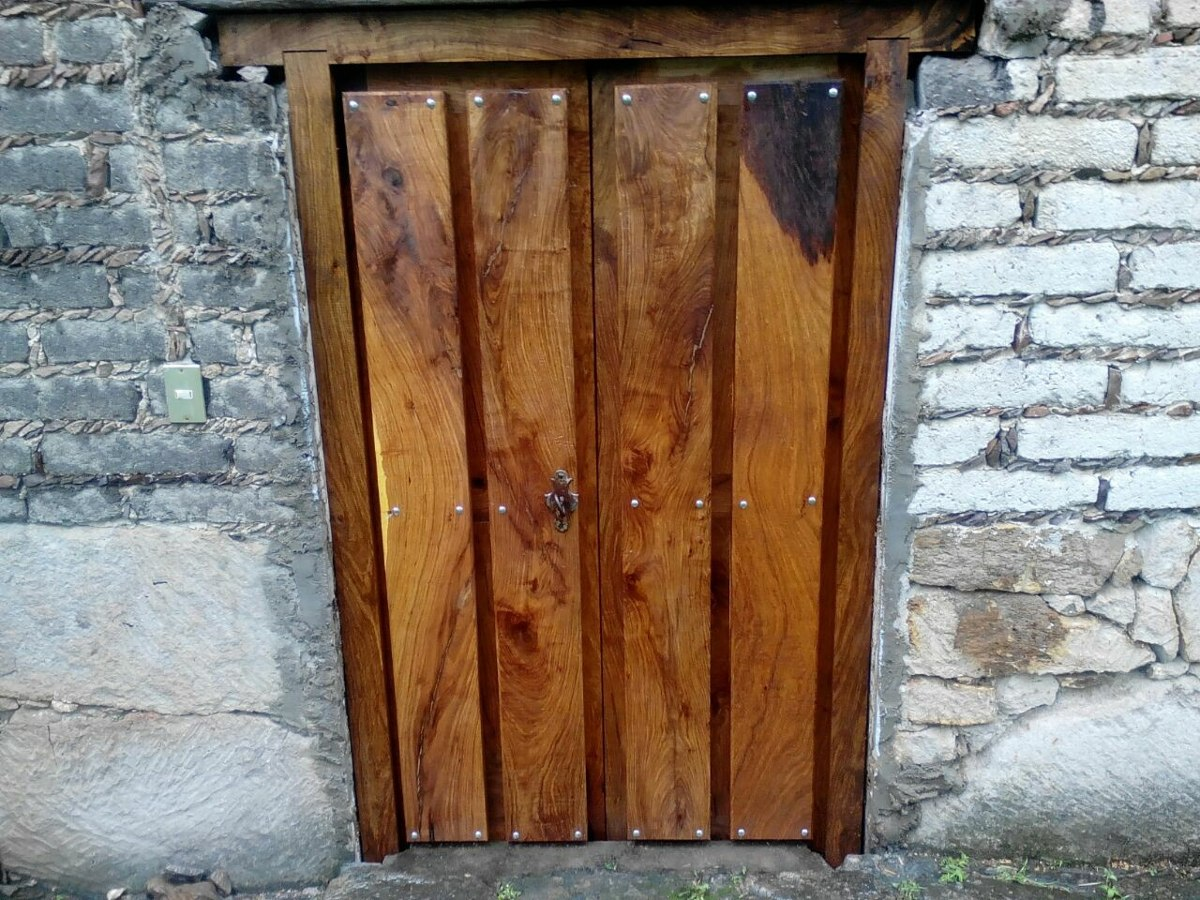 Puertas rusticas exterior good puertas de exterior for Puertas exterior rusticas baratas
