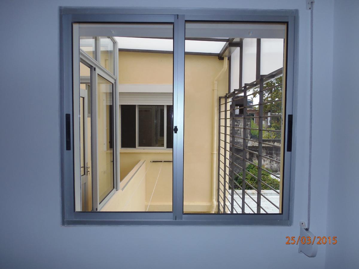 Puertas ventanas aluminio mamparas cerramientos for Ventana aluminio 120x120