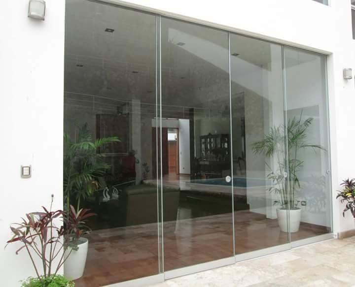 Puertas y mamparas en vidrio templado s 10 00 en for Mamparas de oficina precios