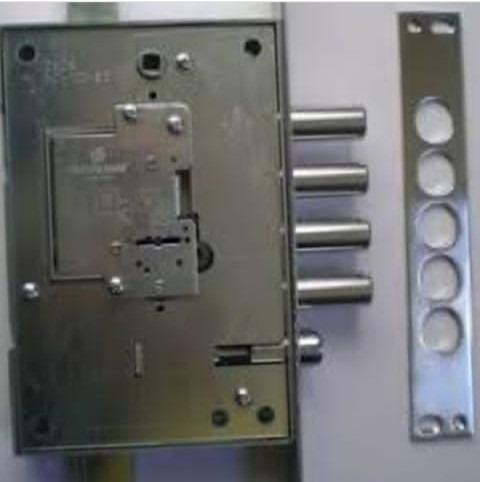 puertas y rejas con sistema de seguridad y decorativas
