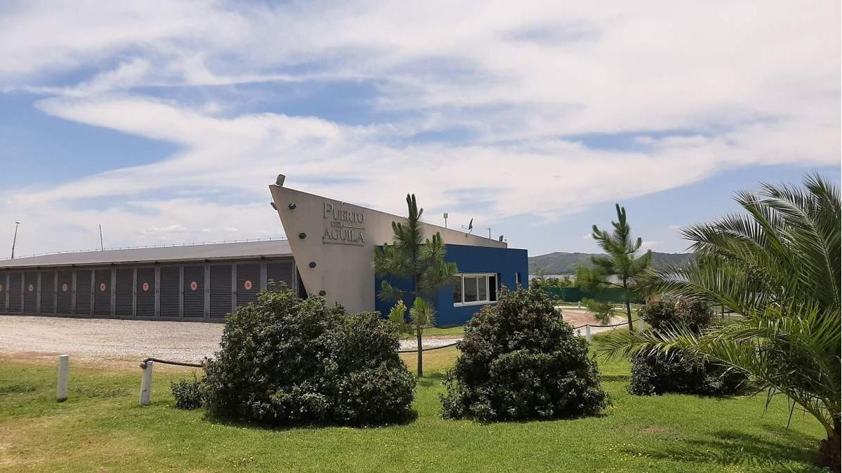 puerto del aguila - excelente terreno con vista al lago - barrio nautico - lancheras - amenities