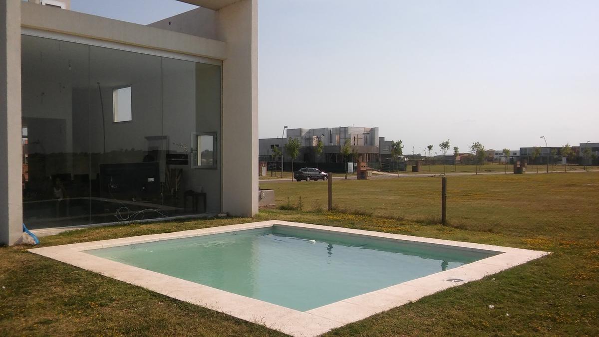 puertos del lago casa  barrio cerrado  araucarias  venta escobar piscina 3 dormitorios