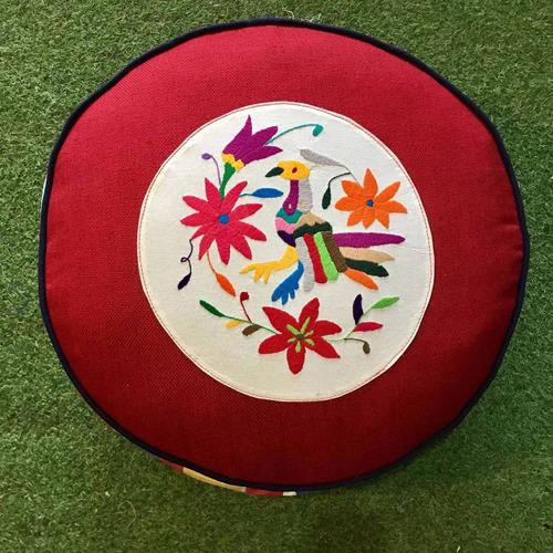 pufe redondo mexicano bordado a mão - varal
