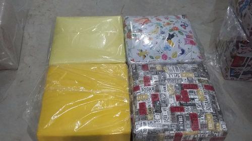 pufs quadrados ( corino ) 35x35x40 (lisos e estampados)