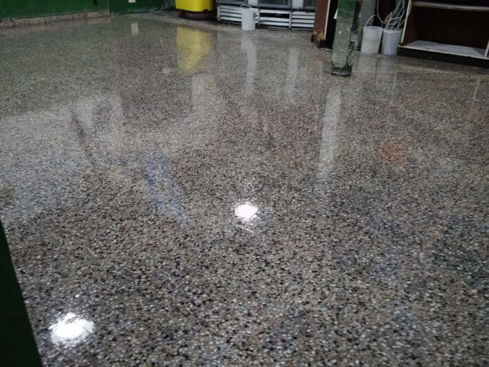 Pulido de pisos mosaico parquet plastificado vitrifi for Mosaico para piso