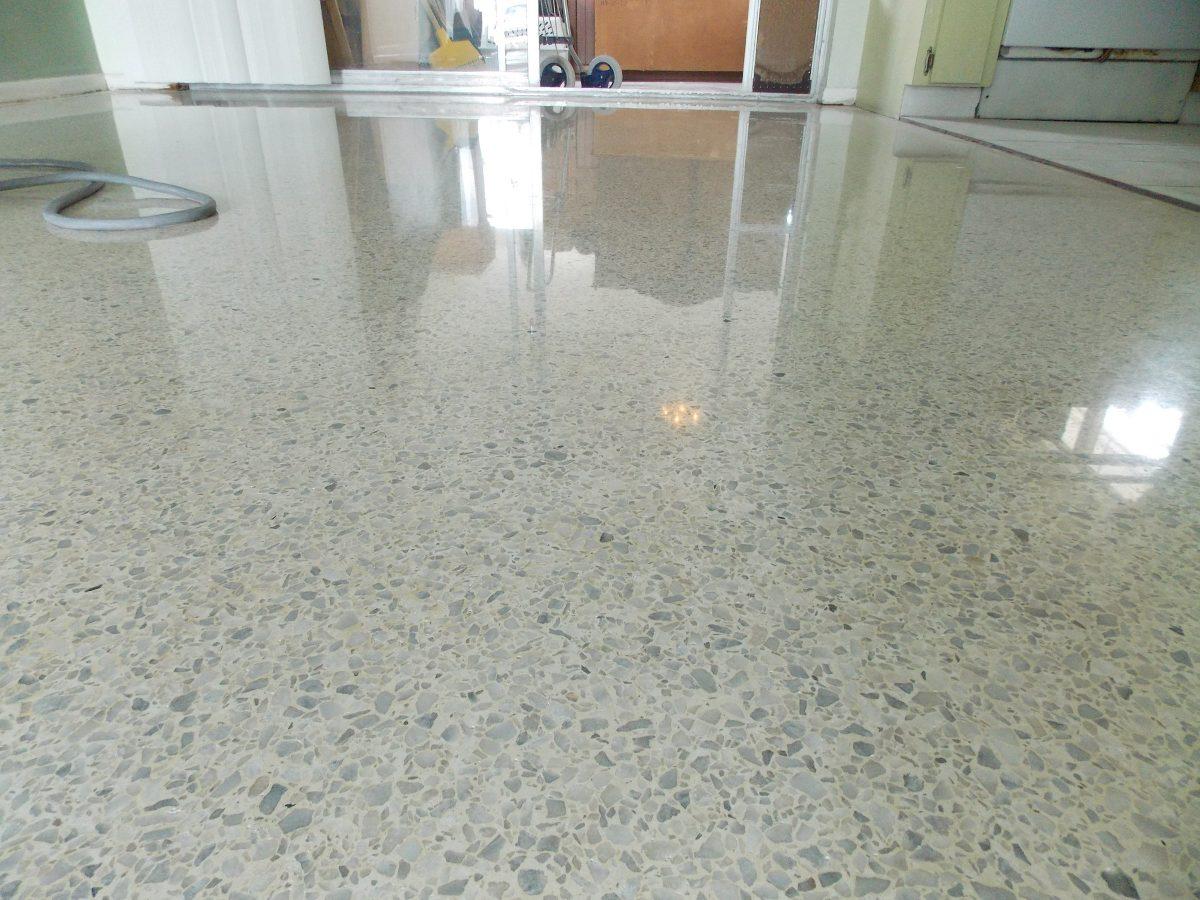 Pulido pisos mosaicos m rmol terrazos granito en for Donde venden granito