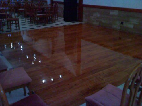 pulido plastificado hidrolaqueado madera parquet pinotea