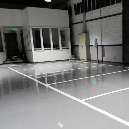 pulido y pintura autonivelante para pisos industriales