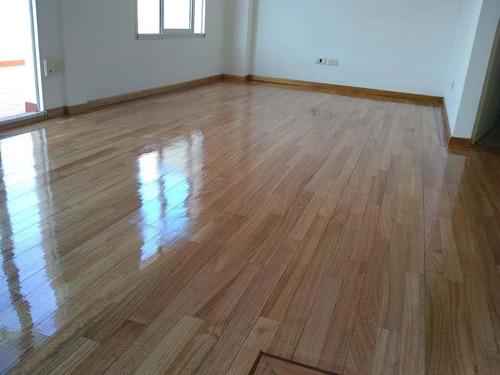 pulido y plastificado de pisos de madera parquet  $700