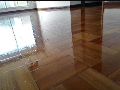pulido y plastificado de pisos de parquet
