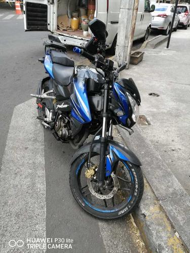 pulsar ns 150 azul con negro