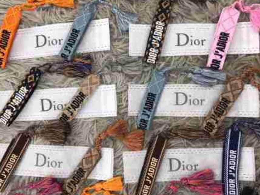 3316e973346 Pulseira    Bracelete Da Dior Tecido Tem Todas As Cores - R  264