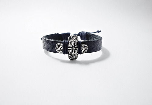 pulseira bracelete masculina de couro cruz de metal