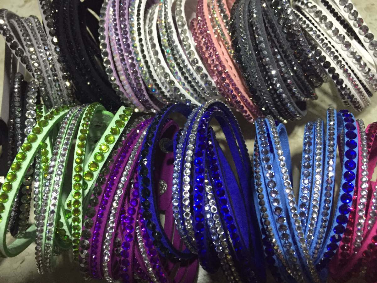 997ac20b0919e Pulseira  Bracelete Slake Swarovski - R  25,90 em Mercado Livre