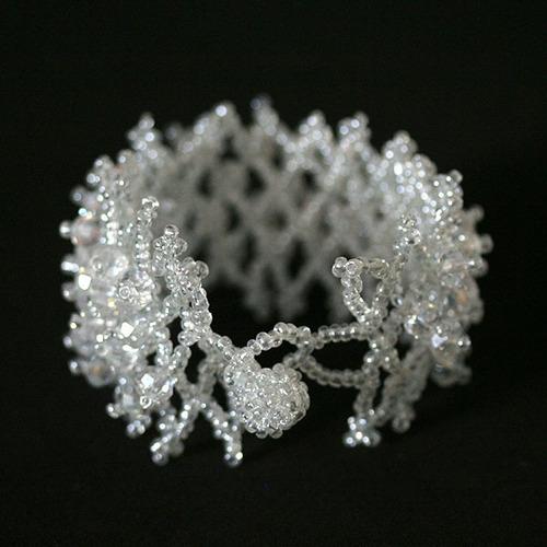 pulseira com pedra cristal