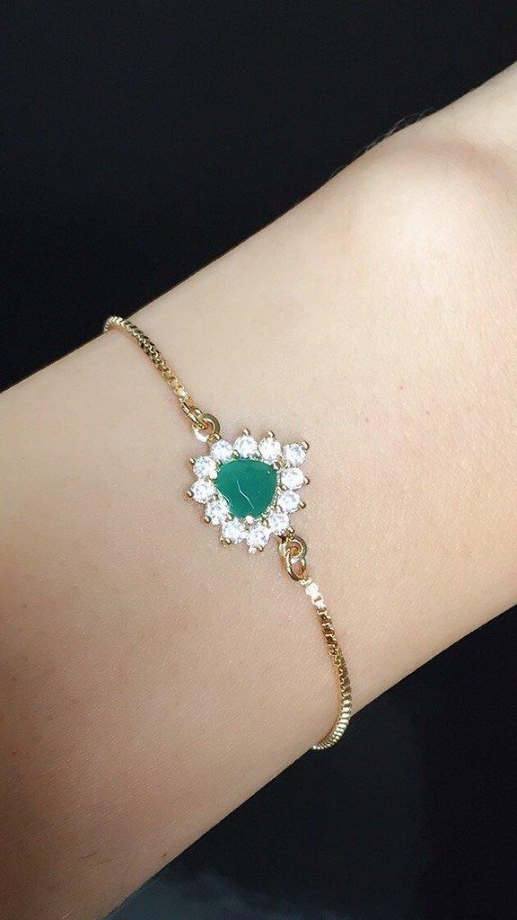 068df501e6aec Pulseira de coração com pedra verde cravejada de zircônias carregando zoom  jpg 576x1024 Pedra pulseira de