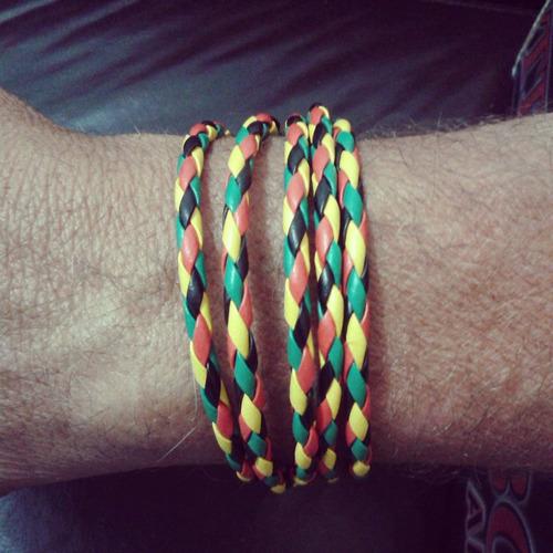 pulseira de couro reggae