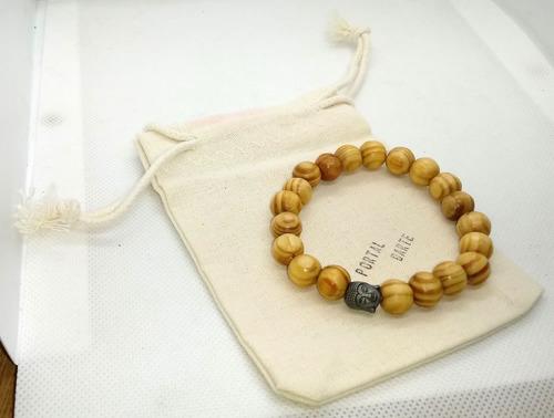 pulseira de madeira rajada - cabeça buda - com saquinho