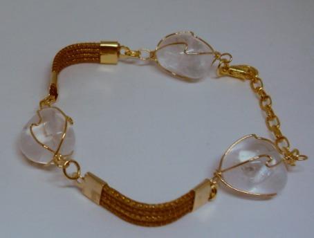pulseira em capim dourado com pedras brasileiras