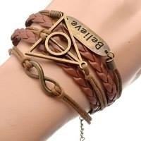 pulseira em couro ecológico