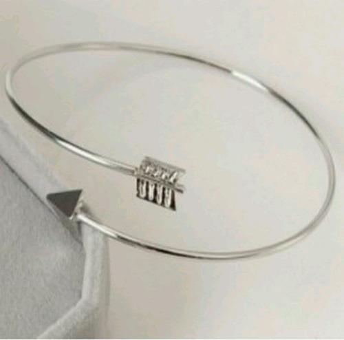 pulseira feminina cor prata