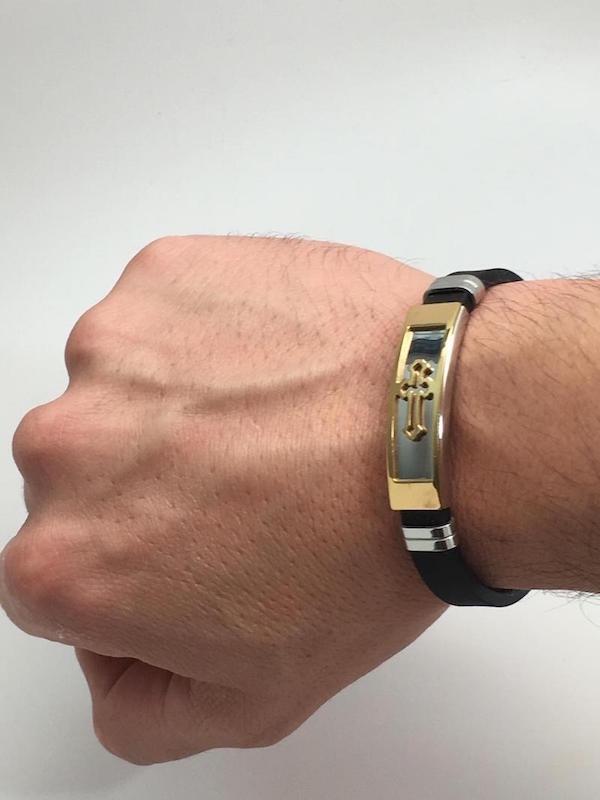 Pulseira Masculina Bracelete Aço 316l + Cruz Banhada Ouro18k - R  59,92 em  Mercado Livre 71841ab10a
