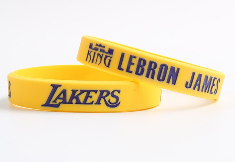 6d6cd94abd9 pulseira nba lebron james los angeles lakers - silicone. Carregando zoom.
