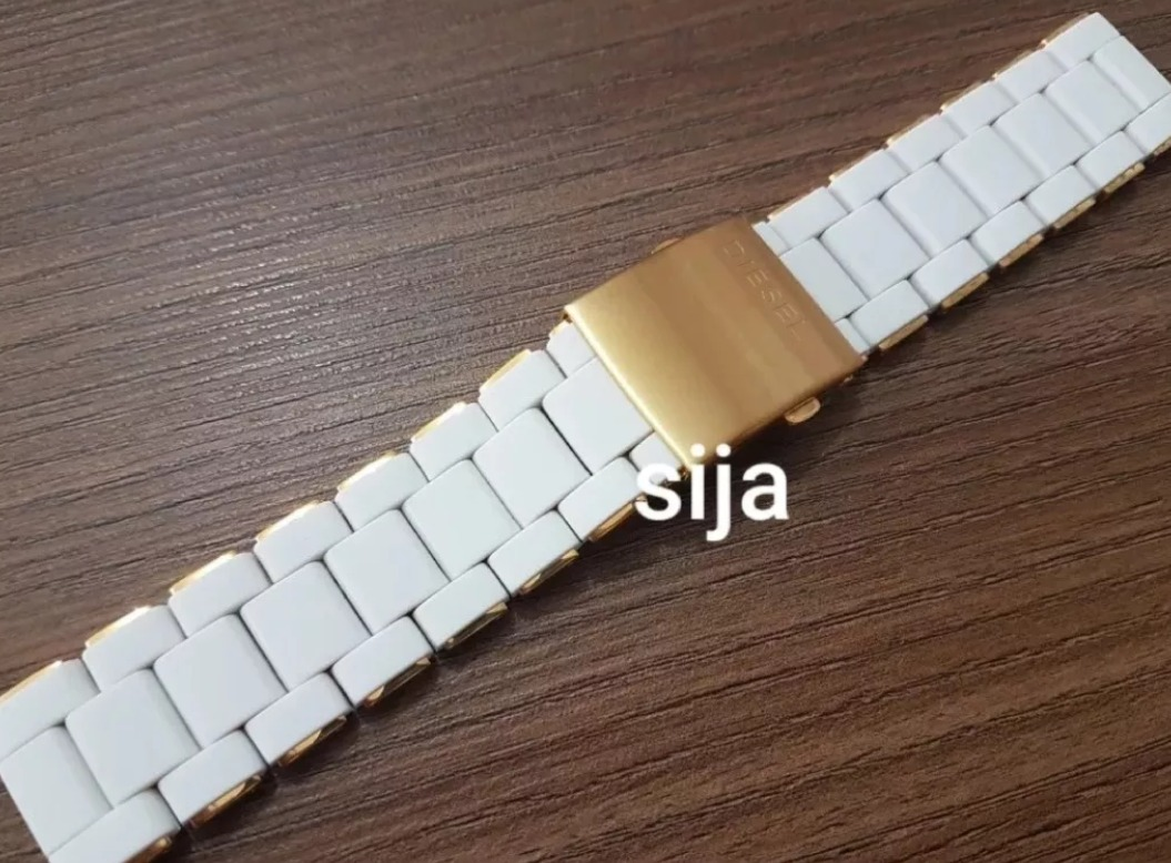 b87d60627e0 pulseira p  relogio diesel 24mm dourada emborracha branca. Carregando zoom.