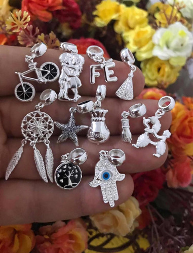 pulseira pandora de prata + 4 berloques e pega ladrao trava