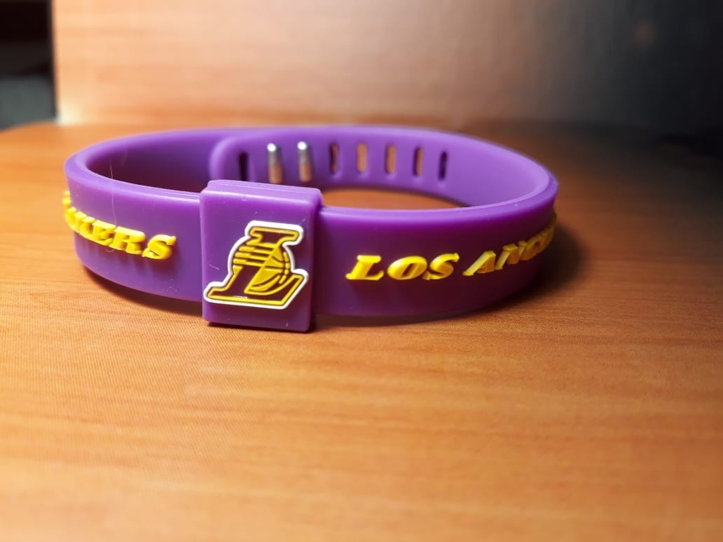 9f0000aaebf pulseira silicone nba los angeles lakers bryant lebron james. Carregando  zoom.