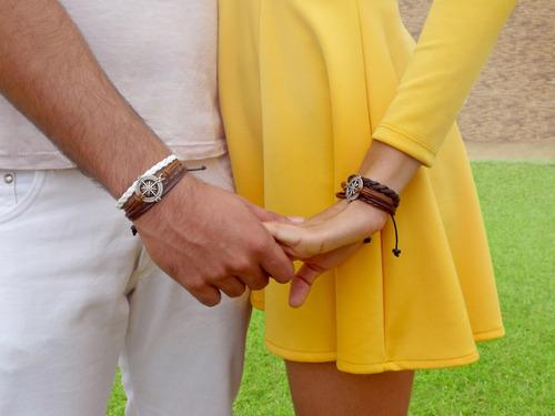pulseiras casal rosa dos ventos presente namorados kit c/ 2