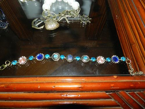 pulseiras femininas variadas.