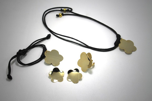 pulsera, anillo, collar, zarcillos de flor
