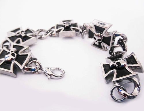 pulsera brazalete de calaveras en cruz de hierro skpalace