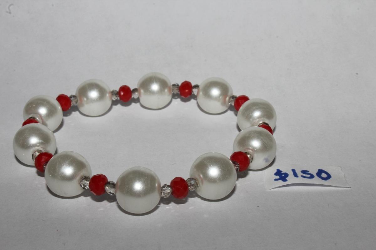 eefb6f6c4ca0 pulsera con perlas grandes y cristal transparente y rojo. Cargando zoom.