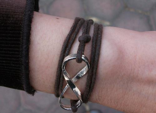 pulsera cordón ajustable con símbolo infinito grande plata